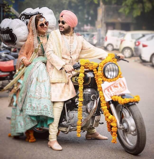 Some are partners in crime and some are partners of bike. these are extreme bike lovers and how can they resist to not have picture with their handsome bike. this classic shot captured bt-