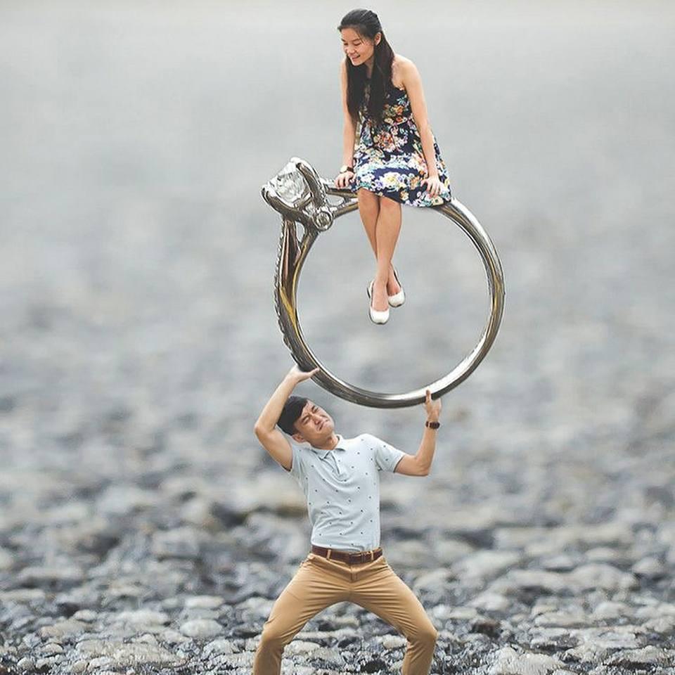 Engagement Photo Ideas: Engagement Ring Photography Ideas